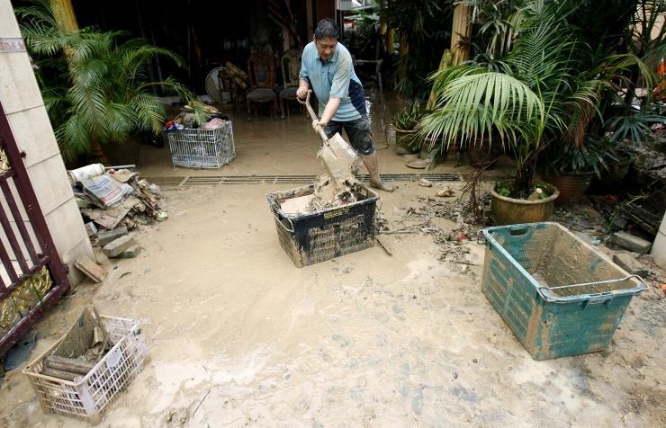 Наводнения в Малайзии вынудили 3,2 тыс человек покинуть свои дома