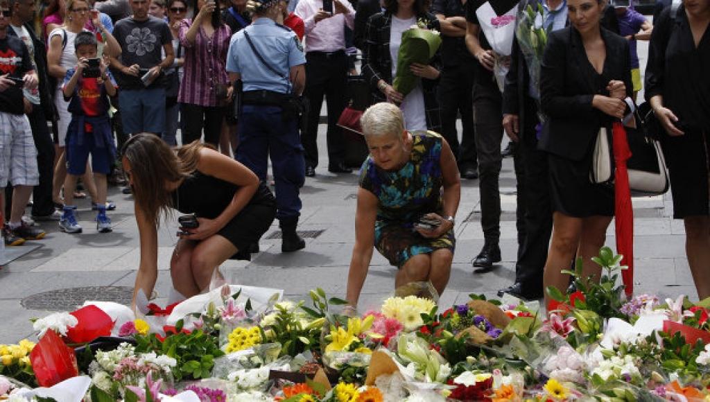Сотни людей в Сиднее почтили память погибших