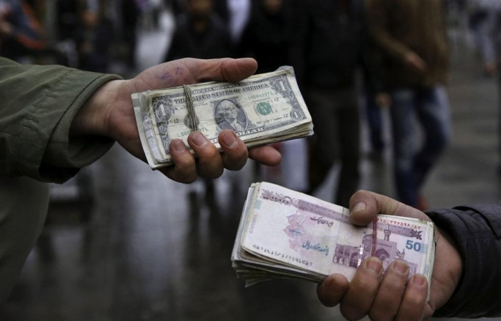 Иран отказался от доллара при расчетах с зарубежными странами