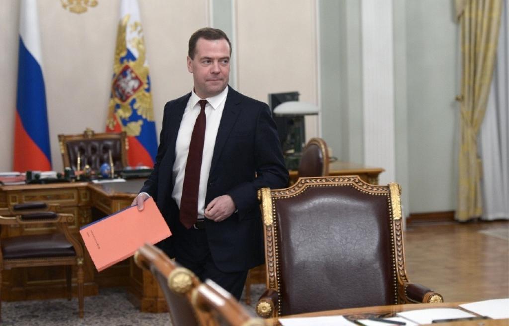 Медведев сегодня должен утвердить антикризисный план