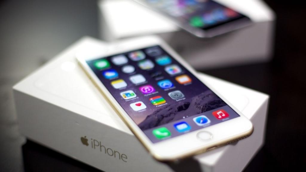 Аналитики: Apple продала 73 млн iPhone за IV квартал 2014