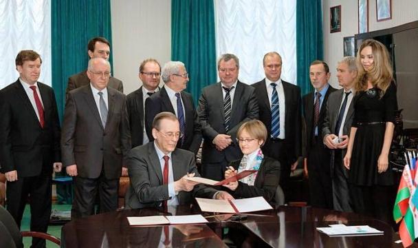 В МГУ подтвердили, что Тихонова является дочерью Путина - Reuters