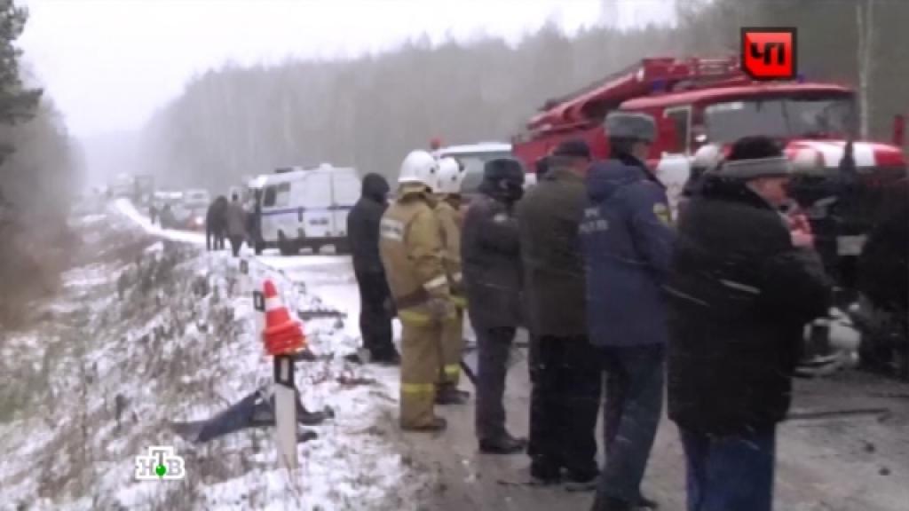 Два человека сгорели заживо в автобусе на кемеровской трассе. Кемеровская область,автобусы