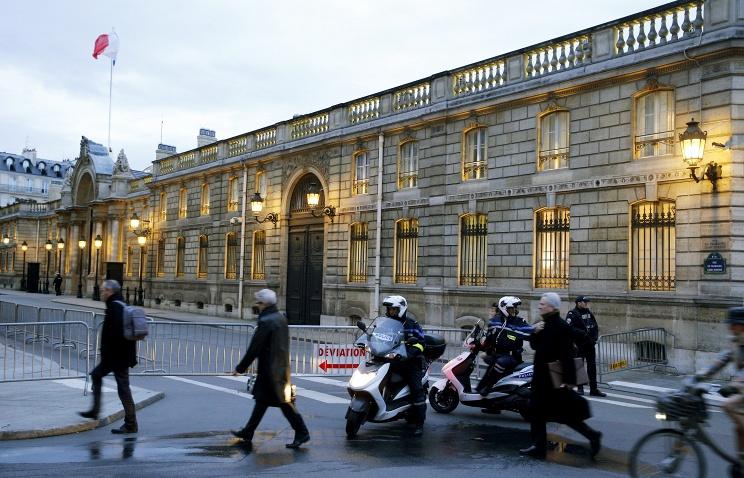 В Париже над Елисейским дворцом промчался неизвестный беспилотник