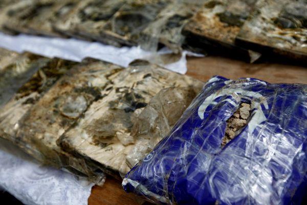 Шесть человек с 11 тоннами наркотиков задержано на востоке Афганистана