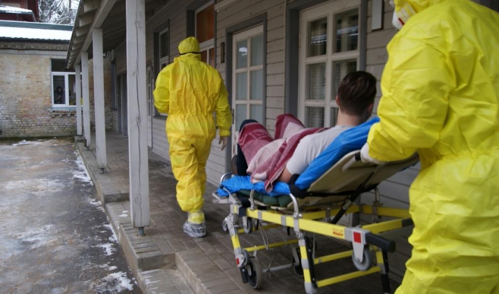 Ученые: вирус Эбола мутирует