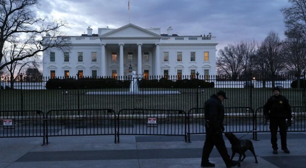 Обама: дрон, приземлившийся в Белом доме продается в Radio Shack