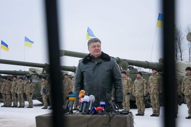 Только два из 10 БТР и танков доехали до точки назначения во время штурма Донецкого аэропорта Остальные поломались - волонтер
