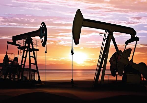 Нефть опустилась до ,49 за баррель в ожидании новостей из США