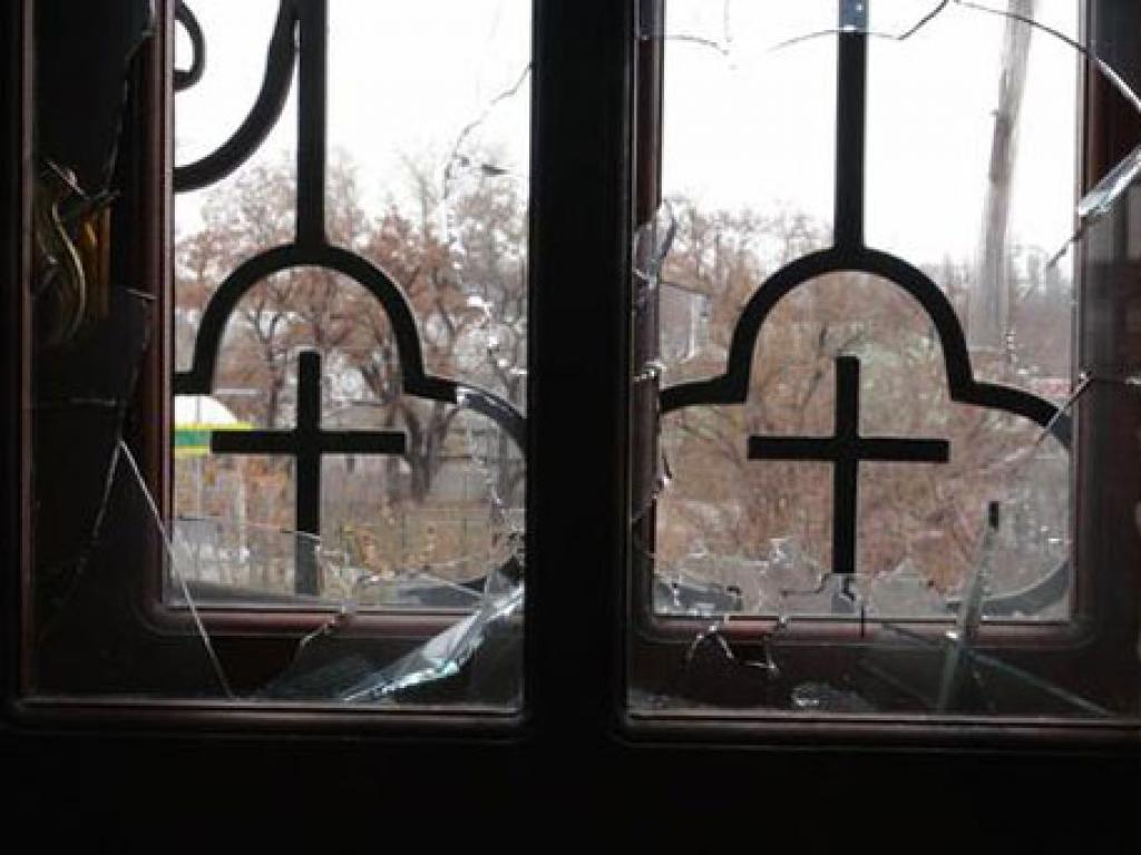 Храм в Донецке пострадал от утренних артобстрелов