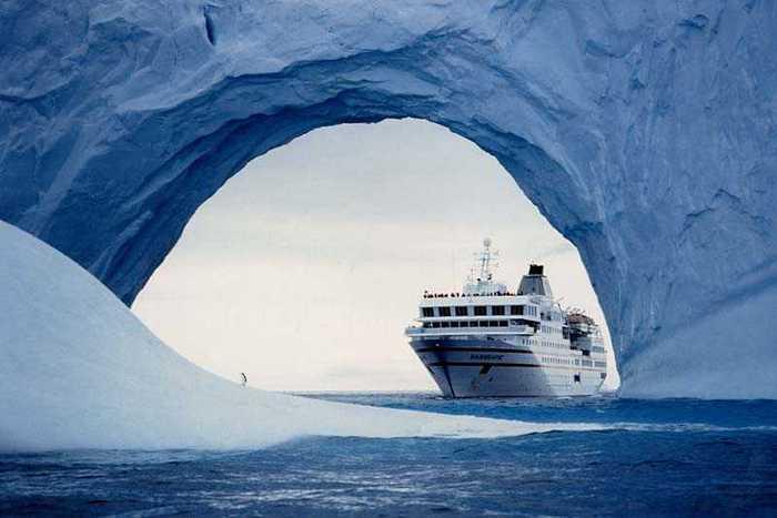 Госдума: Почему депутаты в Антарктиде в рабочий день?