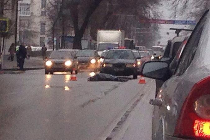 В Ростове сотрудник полиции насмерть сбил женщину-пешехода