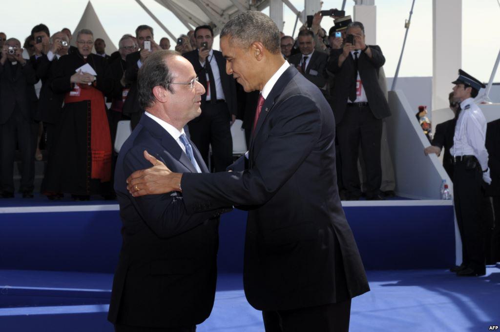 Президенти США Барак Обама (праворуч) і Франції Франсуа Олланд