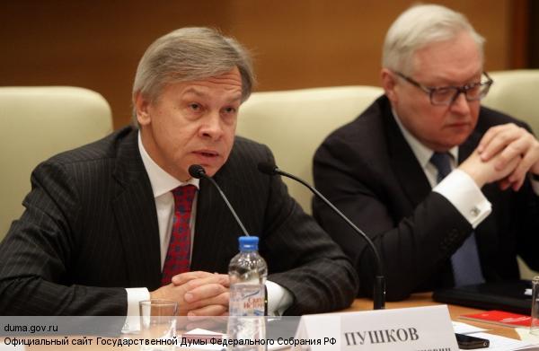 Пушков: Следуя «странной логике», Еврокомиссия просит РФ снять эмбарго
