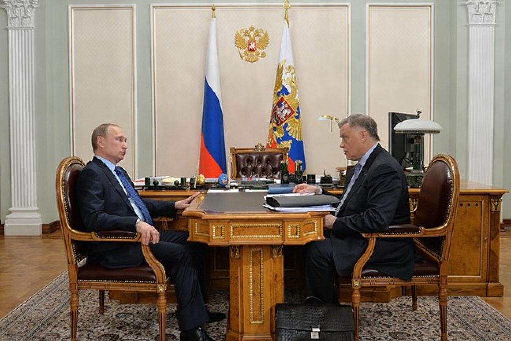 С президентом компании «Российские железные дороги» Владимиром Якуниным.