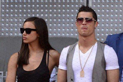 Информацию о расставании известного футболиста и фотомодели подтвердили официально