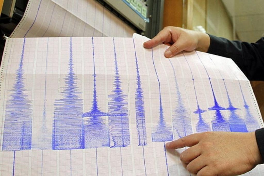 Сейсмологи зафиксировали подземный толчок в 03:17 мск У побережья Филиппин произошло новое сильное землетрясение