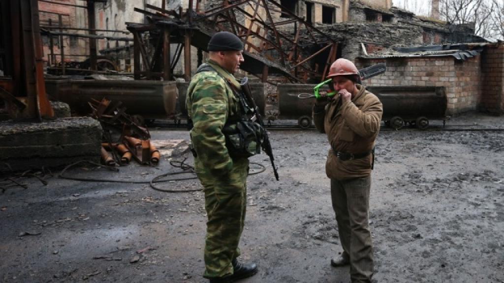 Силовики обстреляли шахту в Донецке: под землей находятся около 20 горняков. войны и вооруженные конфликты, Донецк, Украина, шахты и рудники.