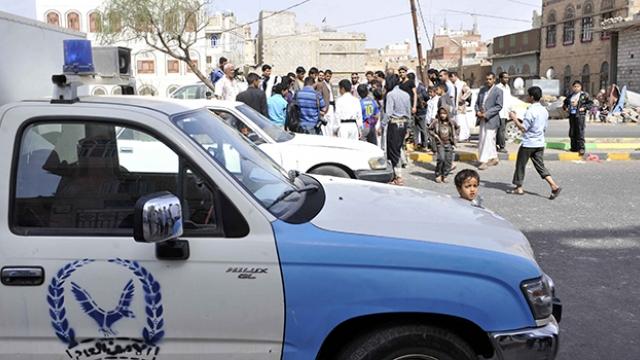 Неизвестные обстреляли машину американского посольства в Йемене