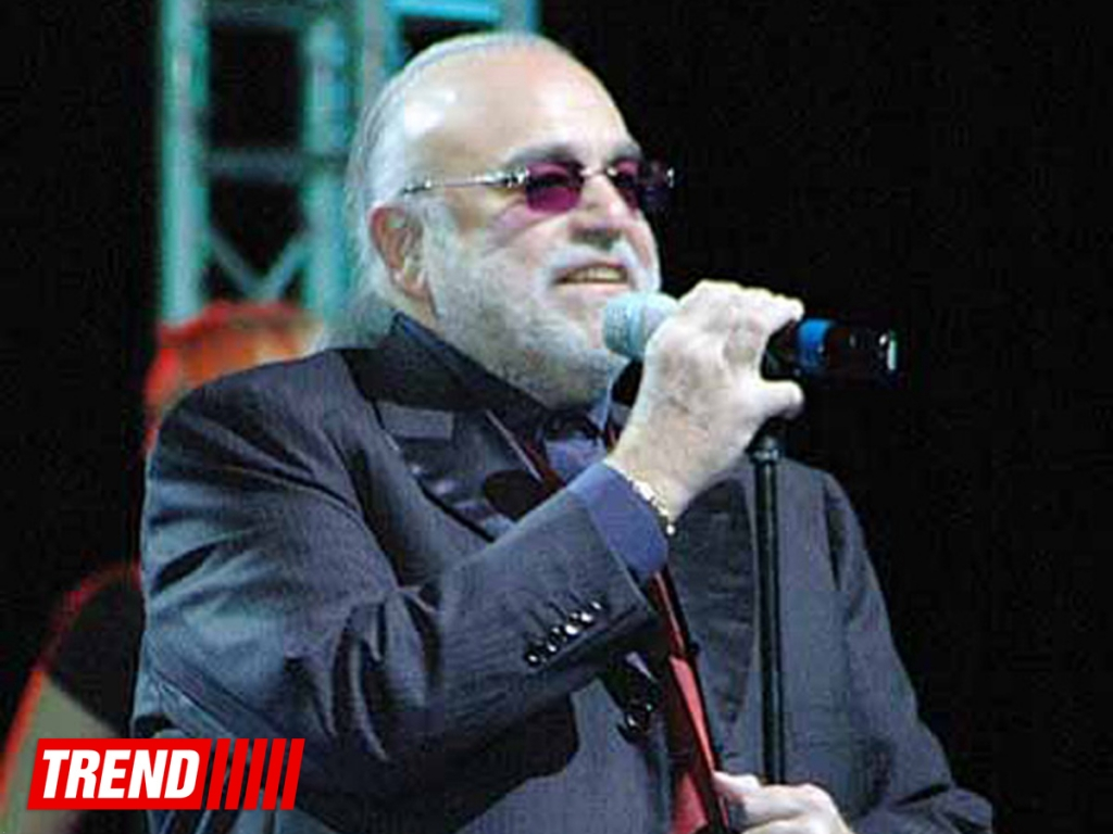 Скончался известный греческий певец Демис Руссос / Европа