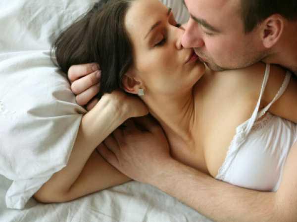 Утренний секс помогает карьере – ученые