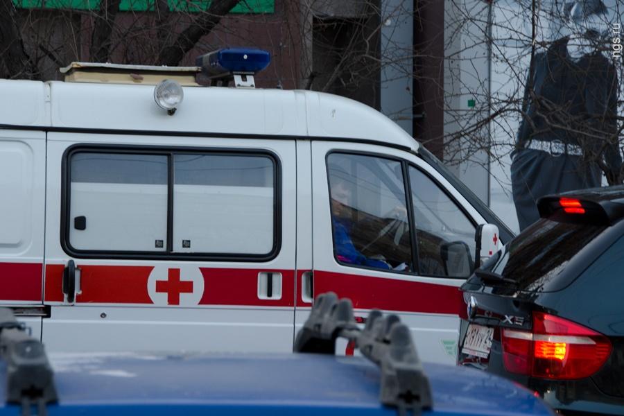 Автобус влетел в столб: 6 пострадавших