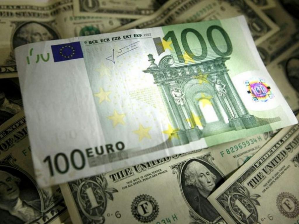 Обвал евро. Самая низкая ставка за 11 лет