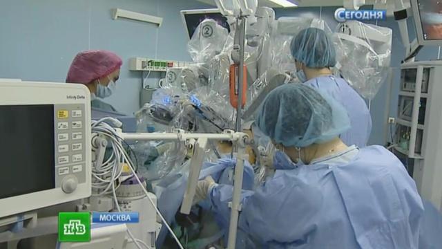 В Москве провели операцию на печени с помощью робота Da Vinci