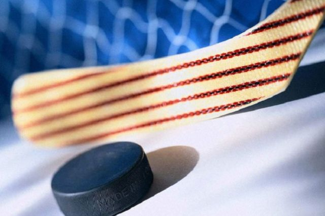 Хоккейная «Лада» одолела «Адмирал»